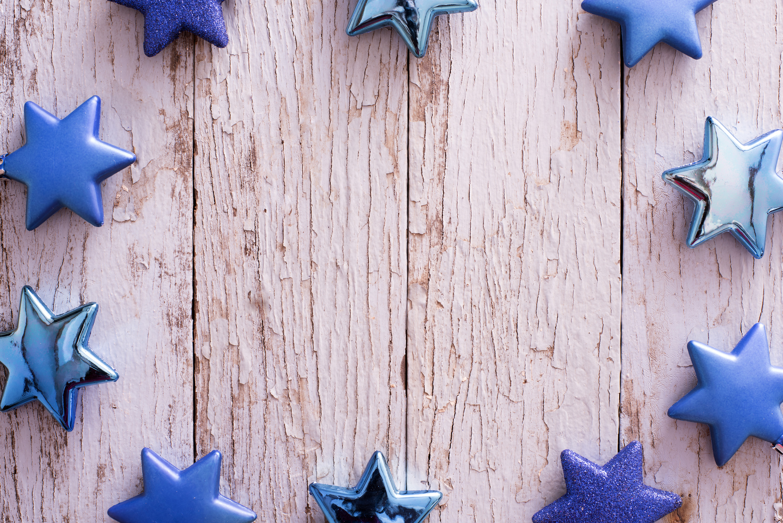 photo of blue christmas star frame