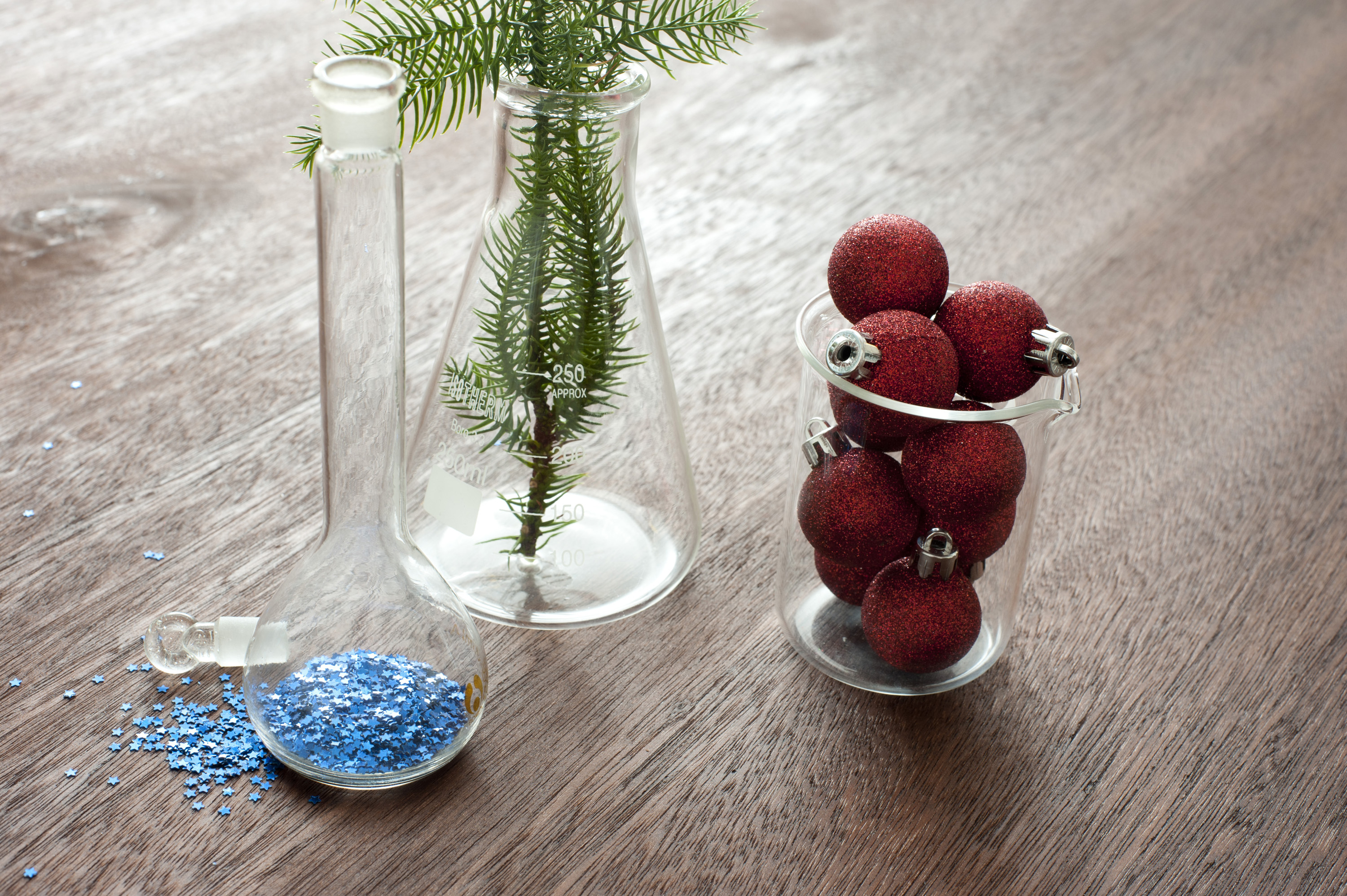 Christmas decoration chemistry