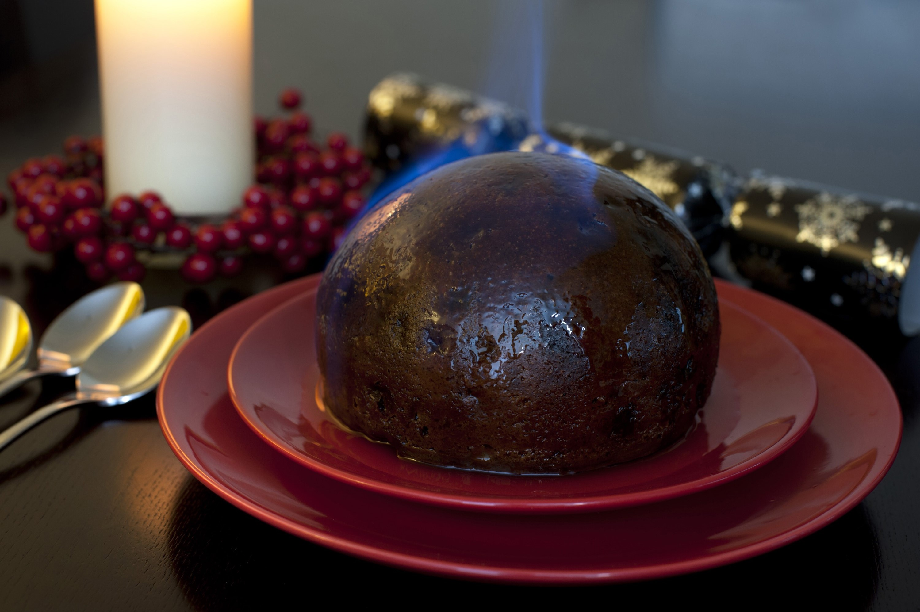 Christmas Pudding On Fire.Photo Of Flaming Christmas Pudding Free Christmas Images