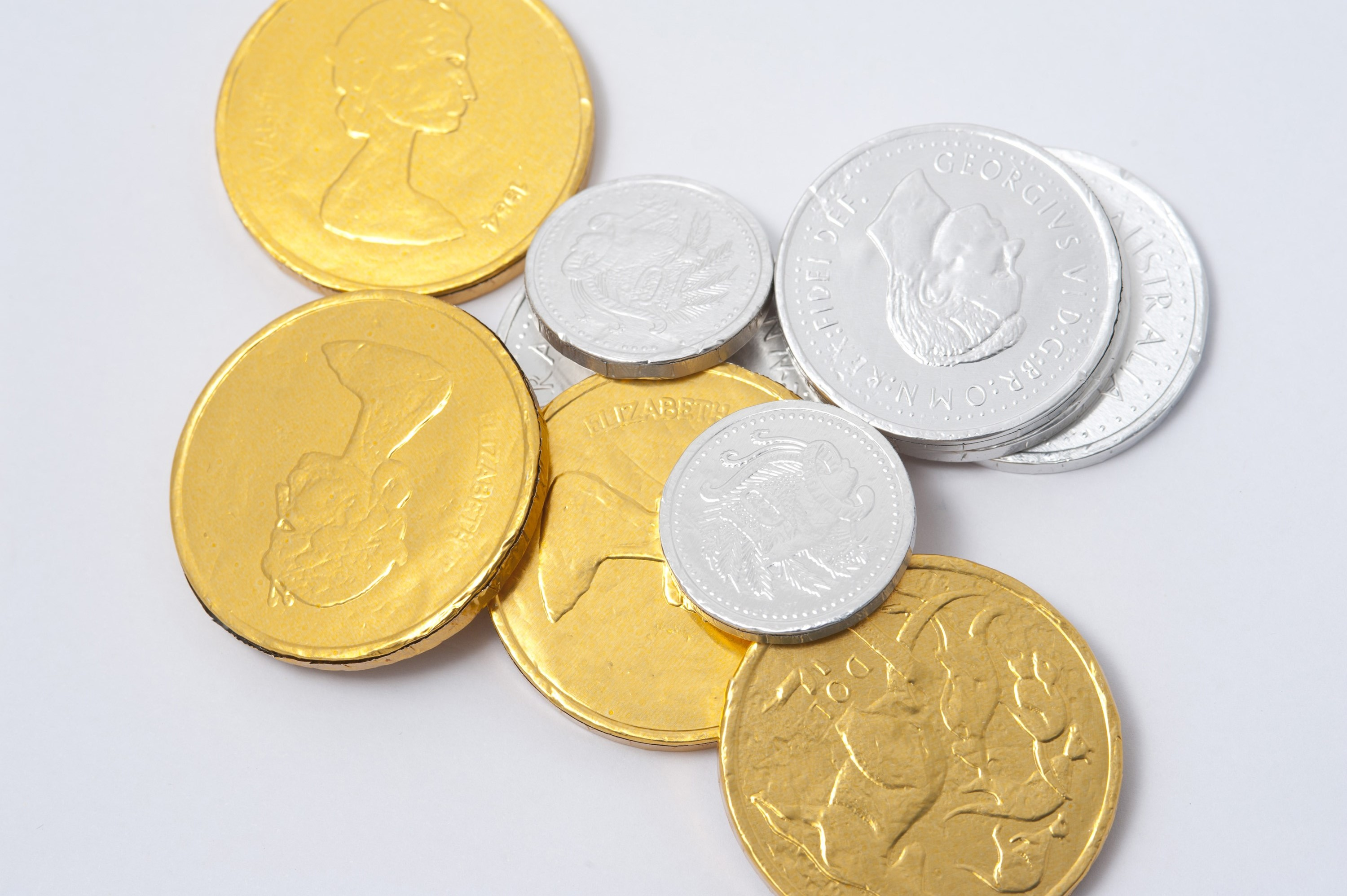 Photo of Gold and silver chocolate coins | Free christmas images