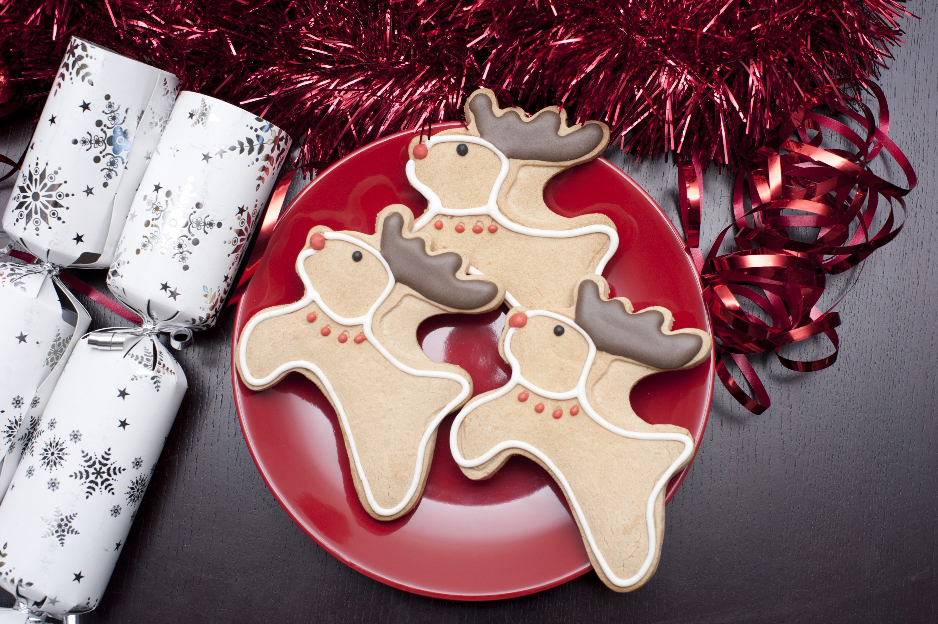 photo of reindeer christmas cookies on a plate free christmas images